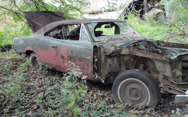 Barnyard Mopar: 1969 Dodge Charger 383