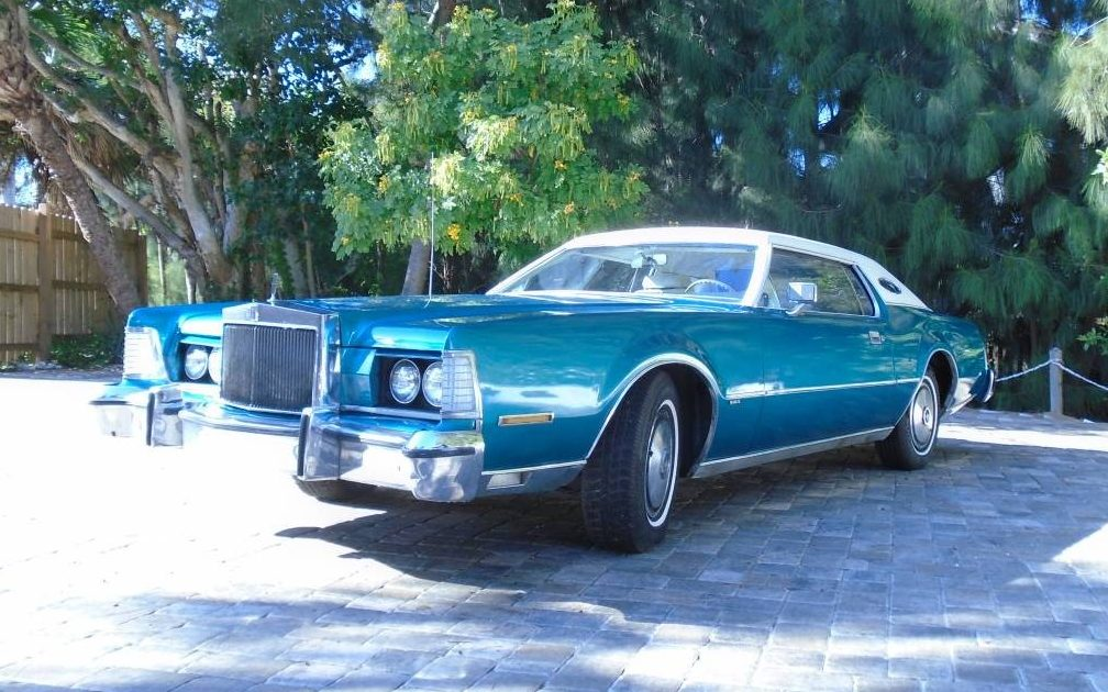 Leather And Luxury: 1974 Lincoln Continental