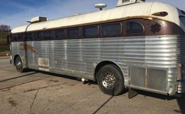 Coach Converted: 1948 Greyhound Bus
