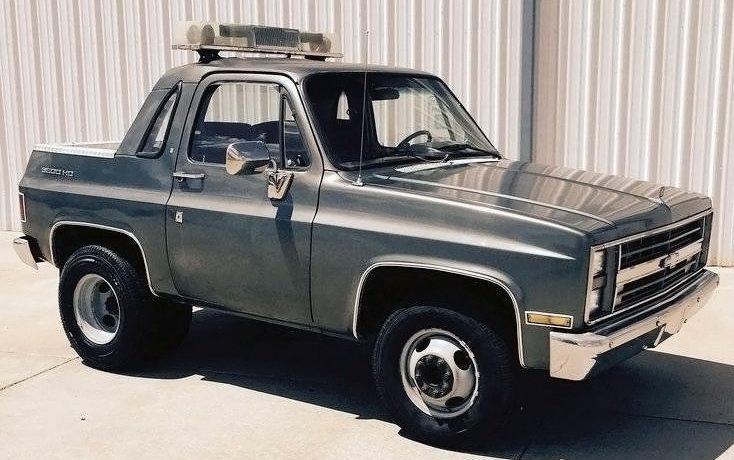 Shorty Dually Pickup! 1988 Chevrolet Suburban