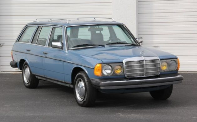 China Blue Estate: 1983 Mercedes 300TD
