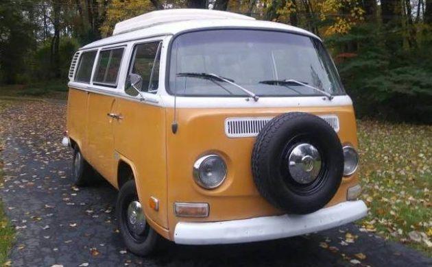 Original Riviera: 1972 Volkswagen Camper Bus