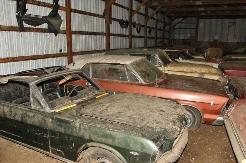 Cheap Muscle Cars For Sale >> Chicken Coop Finds: Dells Auto Museum Collection