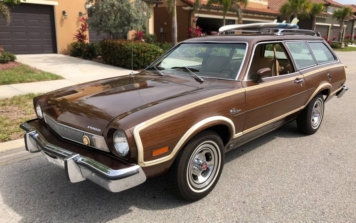 miles  ford pinto squire wagon