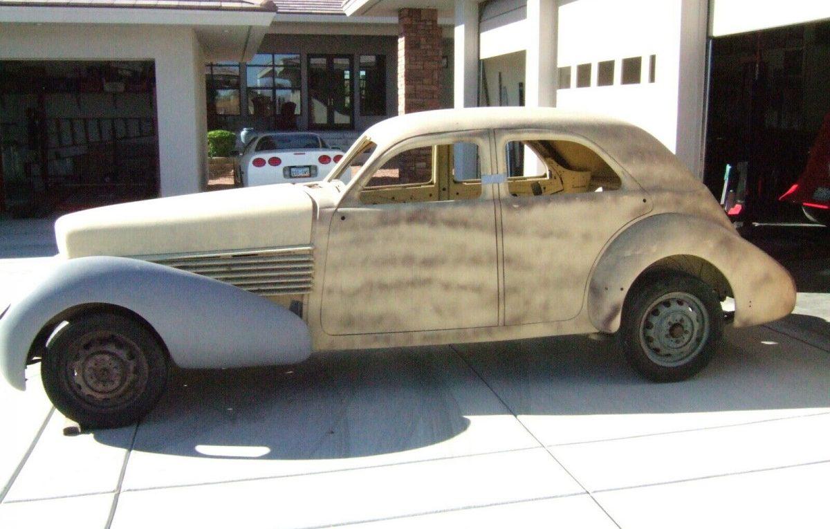 Elegant Project: 1936 Cord 810