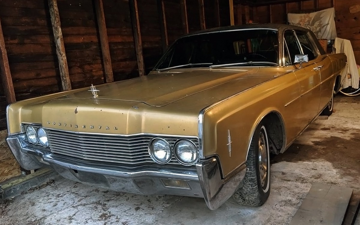 Hidden Gold: 1966 Lincoln Continental