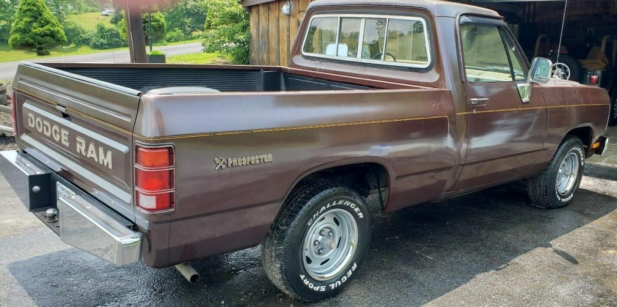 Hot 340 V8 Free Dodge Pickup Attached