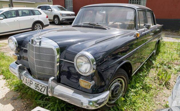 READER AD: 1965 Mercedes 190D Heckflosse + Parts Car
