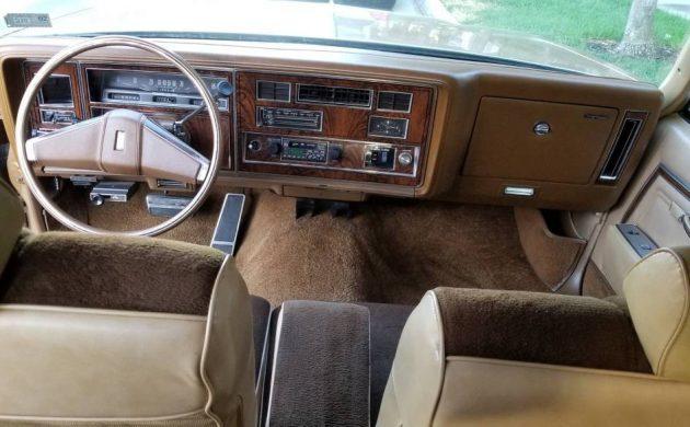 1977 Oldsmobile Vista Cruiser Station Wagon
