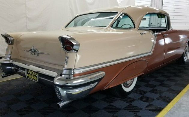Classic Cruiser: 1957 Oldsmobile 88 Holiday