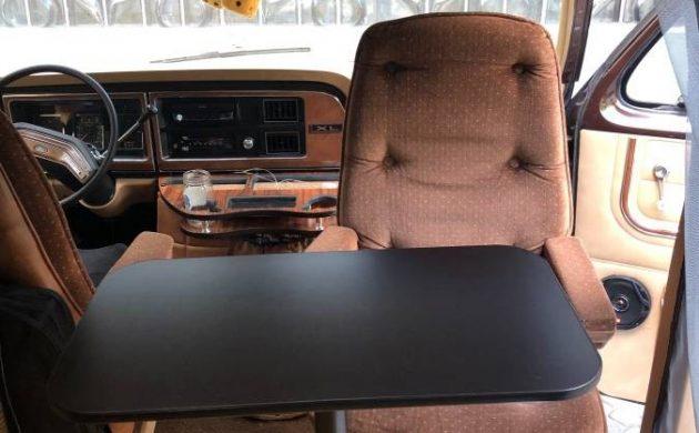 Grandma's Van: 1983 Ford Econoline XL