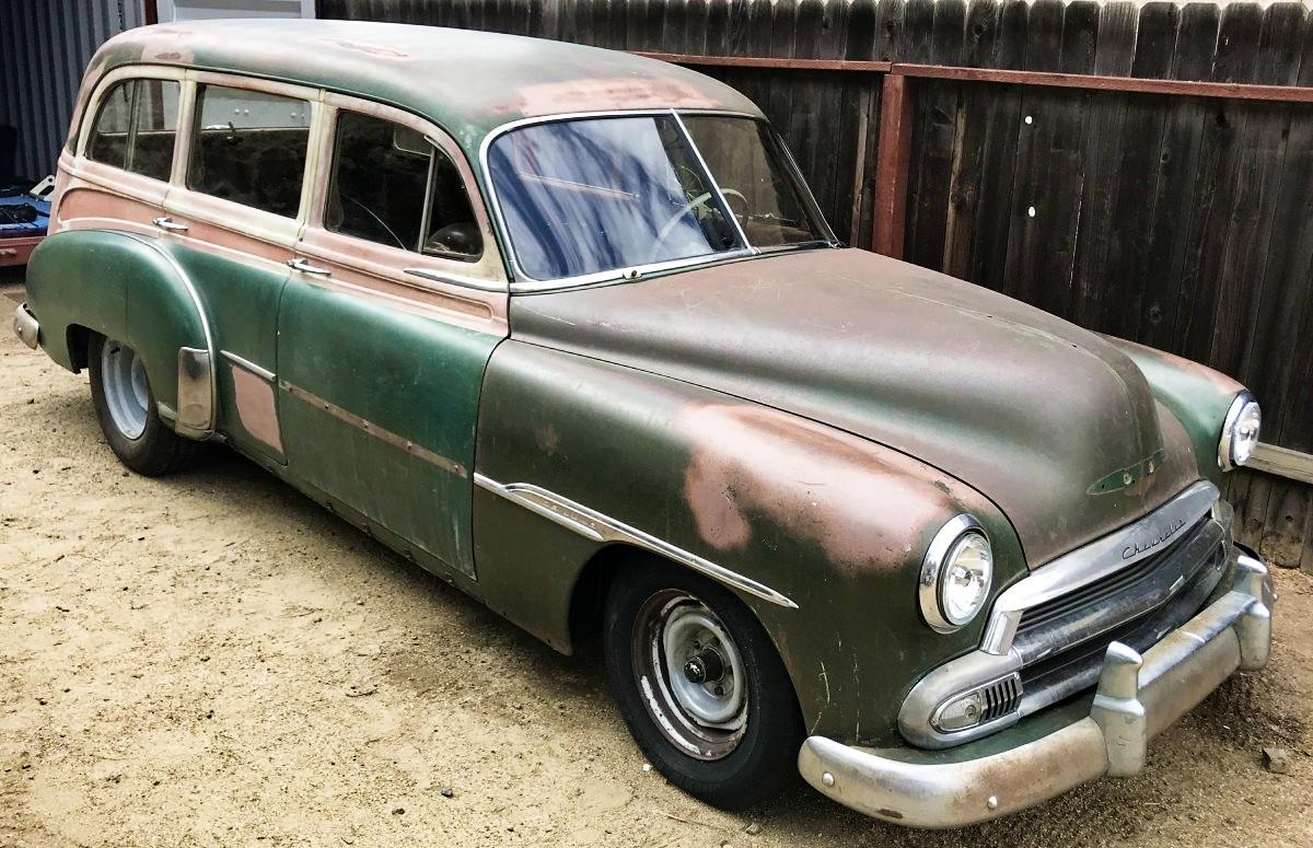 Hanger Find: 1951 Chevrolet Deluxe Tin Woodie