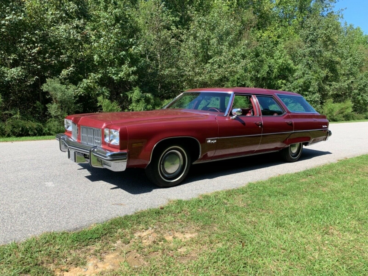 455-Powered Estate: 1975 Olds 98 Custom Cruiser
