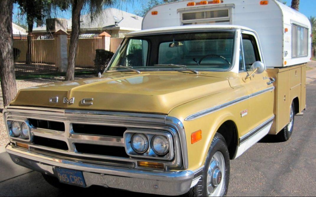 1970 GMC 2500 Camper