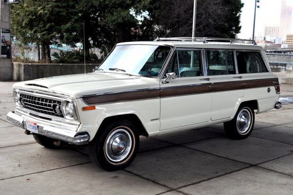 fuel-injected-1978-Jeep-Wagoneer
