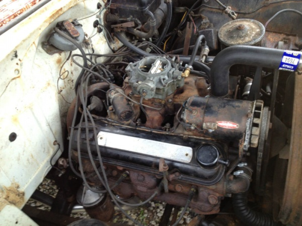 heavy-patina-1956-pontiac-star-chief-engine