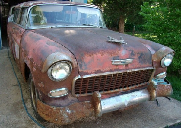 Rusty 1955 Chevy Nomad