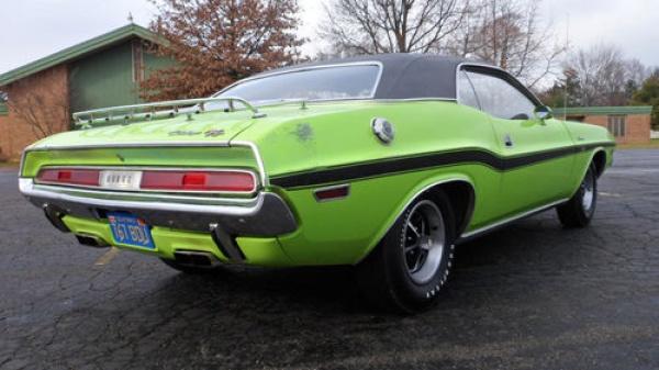 surivor-1970-dodge-challenger-383-rear-corner