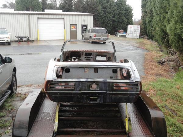 wades-1967-pontiac-firebird-rear-end